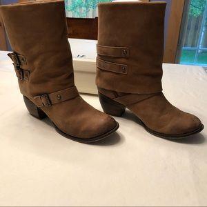 MIA Buckaroo Boots in Tan